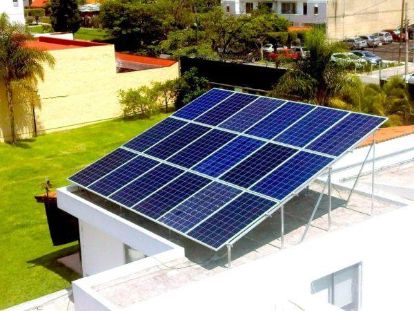 Foto aerea de instalación de paneles solares